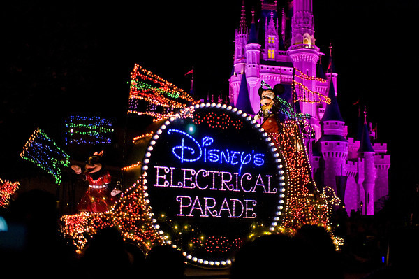 The Main Street Electrical Light Parade To Conclude this October