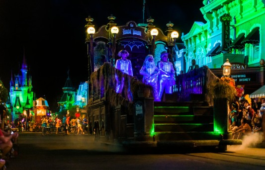 hitchhiking-ghosts-boo-to-you-parade-mnsshp-M