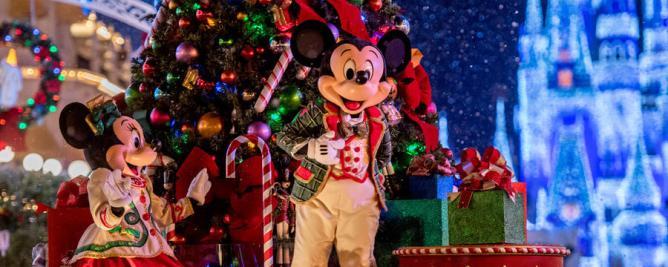 mickeys-very-merry-christmas-party