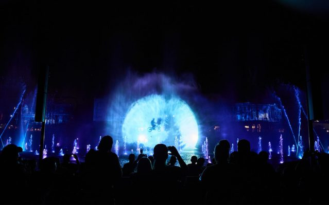 Universal-Orlandos-Cinematic-Celebration-E.T.-1170x731
