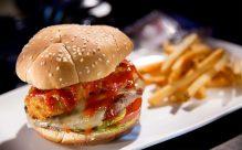 Fiery-Onion-Ring-Burger-Halloween-Horror-Nights-2018-1170x731