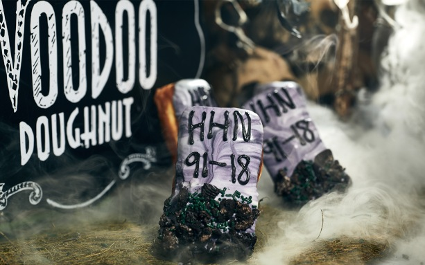 Halloween-Horror-Nights-Tombstone-Voodoo-Dougnnut