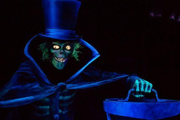Disneyland_2015_Hatbox_Ghost_Photo