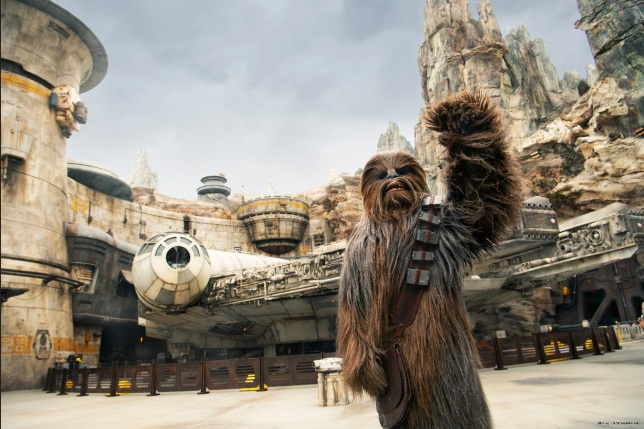 Star-Wars-Galaxay-Edge-at-Disneys-Hollywood-Studios