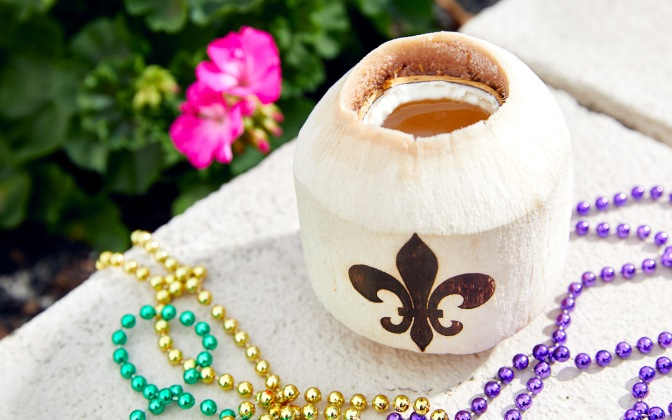 Coconut-Water-in-a-Coconut-at-Universals-Mardi-Gras